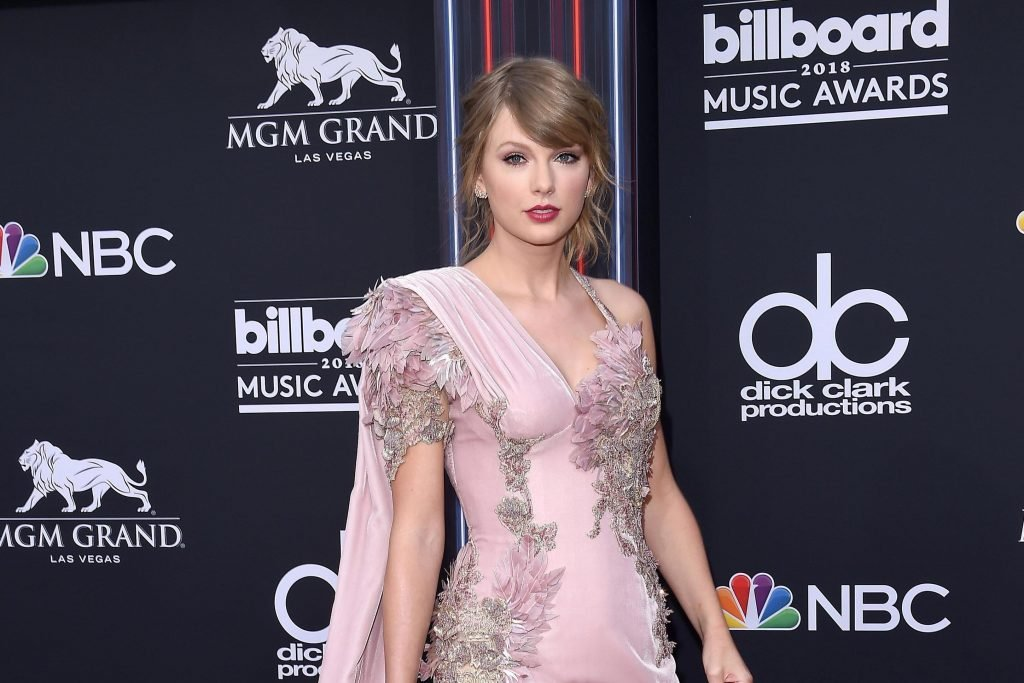Taylor Swift Asks For Acting Tips From Dame Judi Dench Instead Of